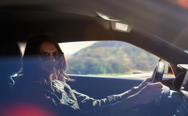 汽车贴膜太阳膜怎样选