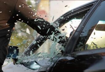 汽车为什么要贴膜,值不值得贴 第1张-汽车内饰翻新-座椅改装-漆面保护贴膜-品牌隐形车衣 | 名车汇
