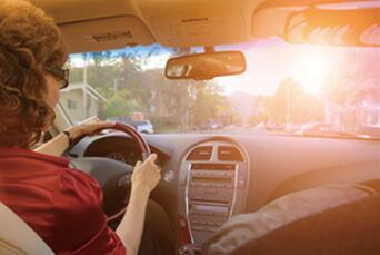 汽车为什么要贴膜,值不值得贴 第3张-汽车内饰翻新-座椅改装-漆面保护贴膜-品牌隐形车衣 | 名车汇