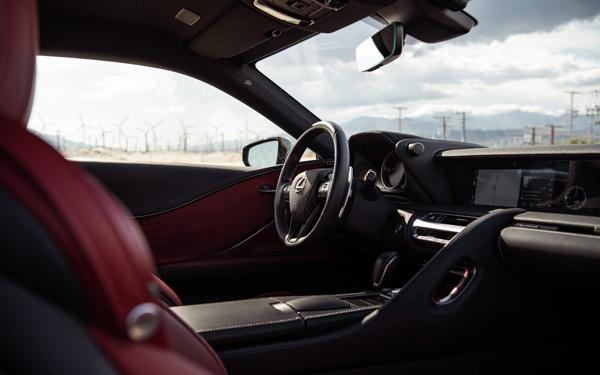如何选择汽车贴膜?六招教你如何区分隔热膜