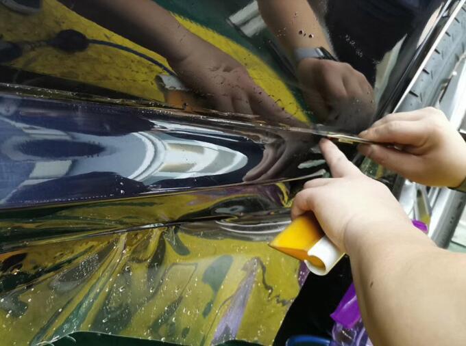 汽车贴膜过程中装贴步骤应该如何进行